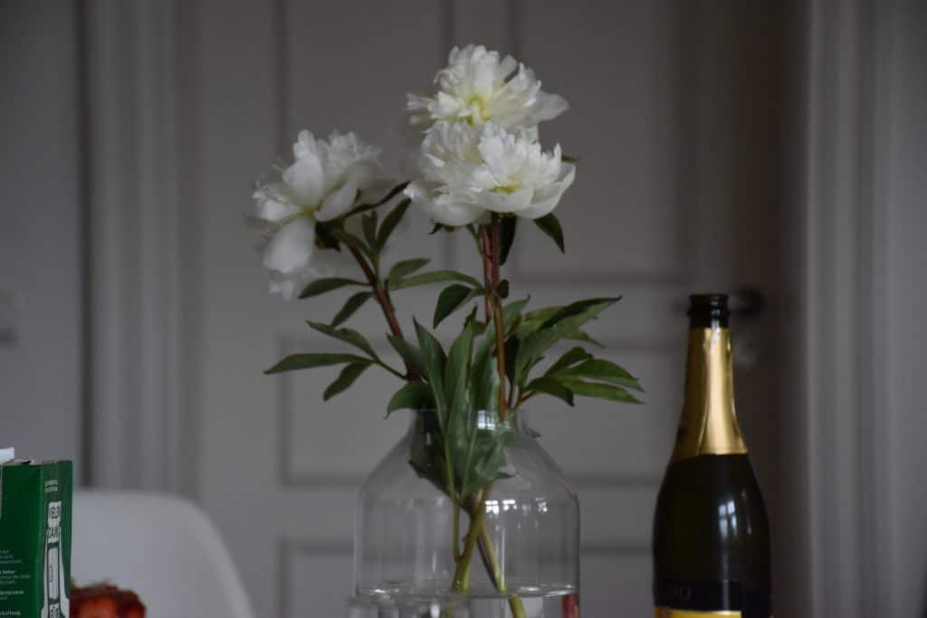 Blumen bei der Geburtstagsfeier der Firma